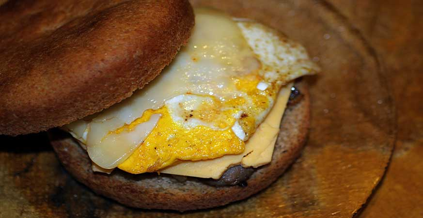 Cheese Egg with Brown Bread