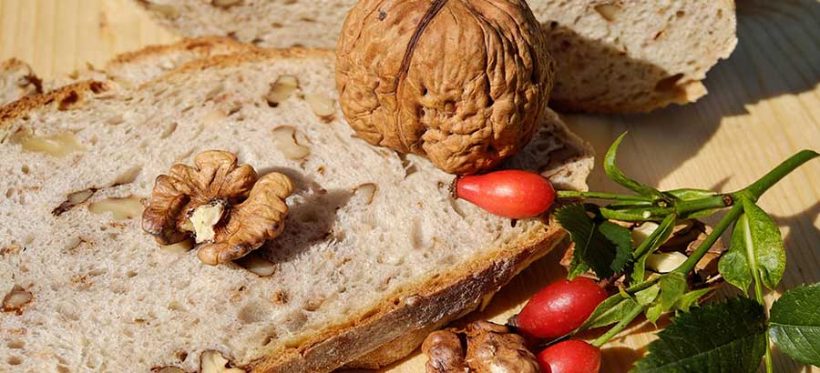 Breakfast for Weight Loss Hummus Toast with Walnuts